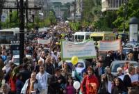 Peste 8000 de participanţi la Marşul Pentru Familie de la Iaşi. Un răspuns paşnic la atacurile împotriva familiei tradiţionale româneşti