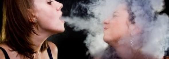 Ce se întâmplă cu corpul tău dacă stai în preajma unui fumător