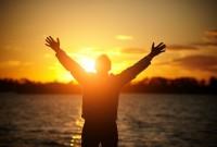 Sentimentul de lipsă atrage nefericirea, în schimb recunoștința atrage abundența