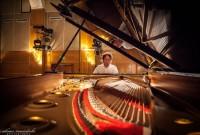 Horia Mihail aduce romantismul turneului Pianul Călător la Braşov, Reşiţa şi Timişoara