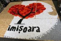 Peste 100.000 de capace de plastic, folosite pentru realizarea unor tablouri SUPERBE care vor fi expuse pe pietonala Mărășești
