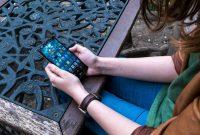 Dependența de telefon îi distruge emoțional pe adolescenți